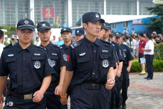 图片来源于网络 二,消防部队 隶属关系:公安消防部队是公安现役部队