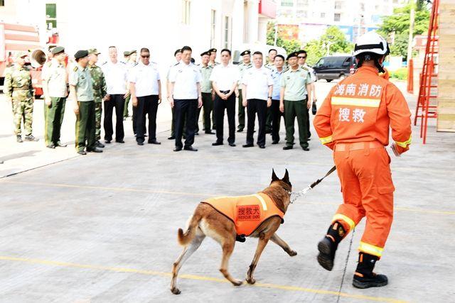 范华平到省公安消防现役部队调研