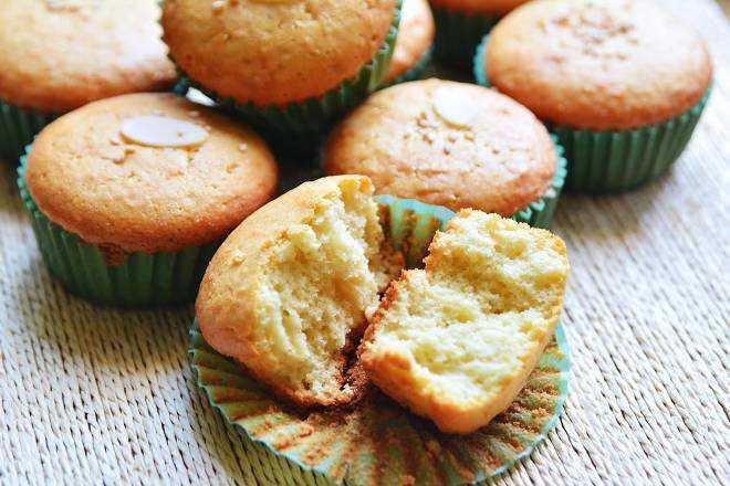脆皮蛋糕的做法_脆皮蛋糕的做法烤箱新手做  第2张