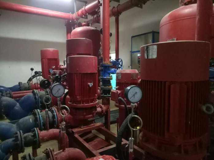 箱泵一体化水箱_箱泵一体化水箱_搅拌天泵一体车