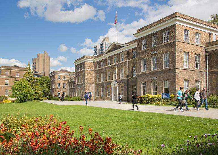 英本留学看过来,哪些高校承认国内高考成绩?