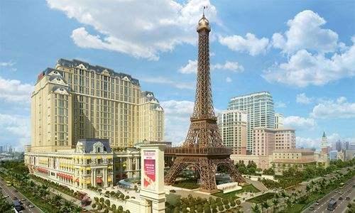 macau betting on more hotels despite economic