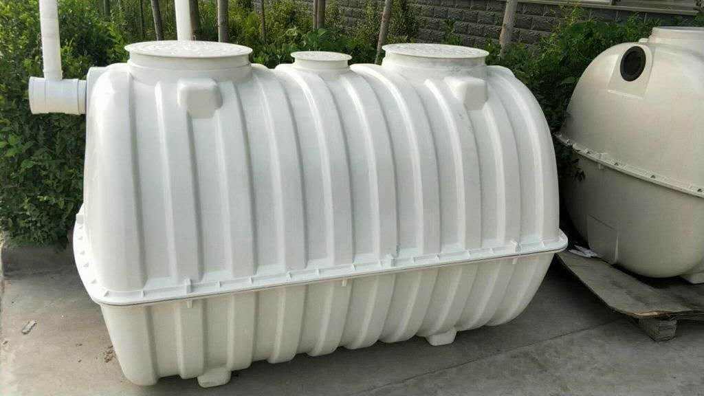 组合水箱_玻璃钢组合式水箱_科帕奇玻璃水箱图