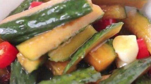 黄瓜的腌制方法及步骤_怎样腌的黄瓜能放一年  第1张