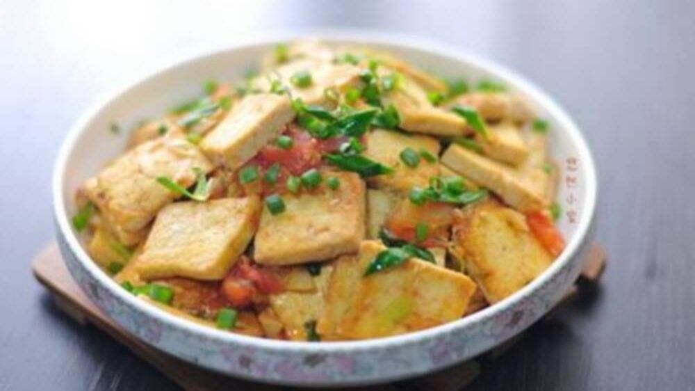 家常豆腐的做法大全_大葱炒豆腐  第1张